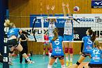 Volejbalistky Přerova (v modrém) proti Prostějovu