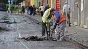 Kvůli náročné rekonstrukci je uzavřená Čechova ulice v Přerově. Řidiči musejí jezdit po objízdné trase