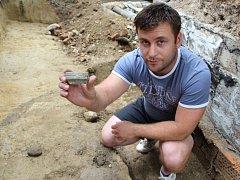 Přerovští archeologové narazili při výkopech v Předmostí na zbytky mamutích kostí, staré 20 až 30 tisíc let.
