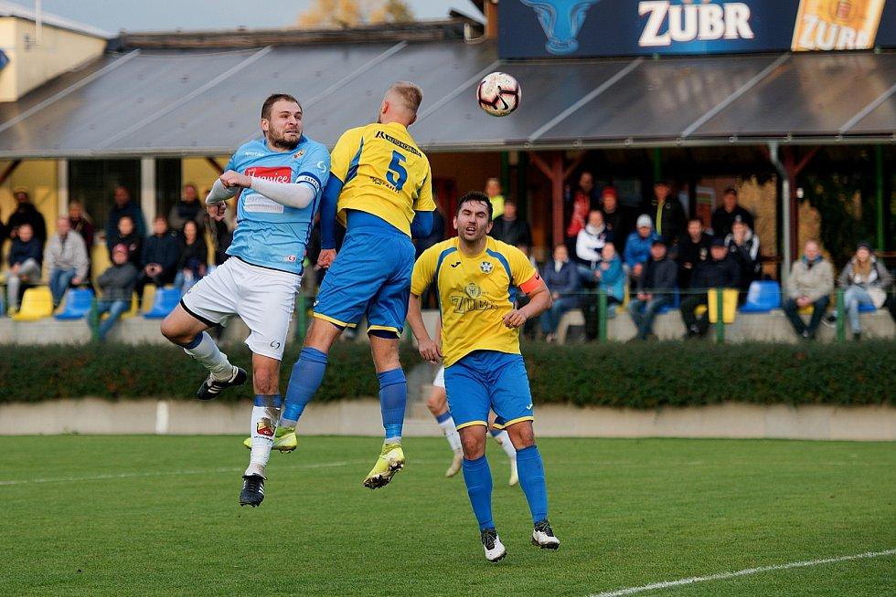 Fotbalisté Kozlovic (ve žlutém) proti Hranicím