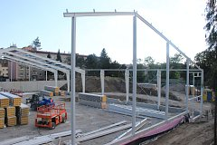Stavba nové tenisové haly v Přerově pokračuje rychlým tempem. Dokončena by měla být do listopadu.