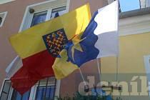 Moravská vlajka na radnici. Ilustrační foto