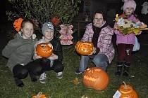 Onejkrásnější halloweenskou dýni soutěžily děti v pondělí 31.října ve venkovních prostorách Střediska volného času Atlas a Bios vŽižkově ulici vPřerově.