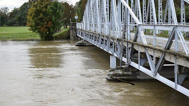 Rozvodněná Morava v Kojetíně, 15.10. 2020