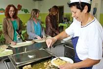 V kojetínské jídelně si celý týden pochutnávali na pokrmech z regionálních potravin