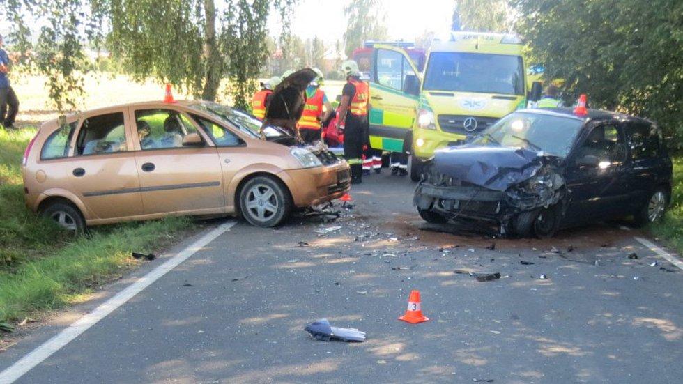 Vážná dopravní nehoda se stala v neděli na silnici mezi obcemi Vysoká a Hustopeče nad Bečvou