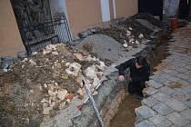 Záchranný archeologický výzkum u kostela sv. Vavřince v Přerově.