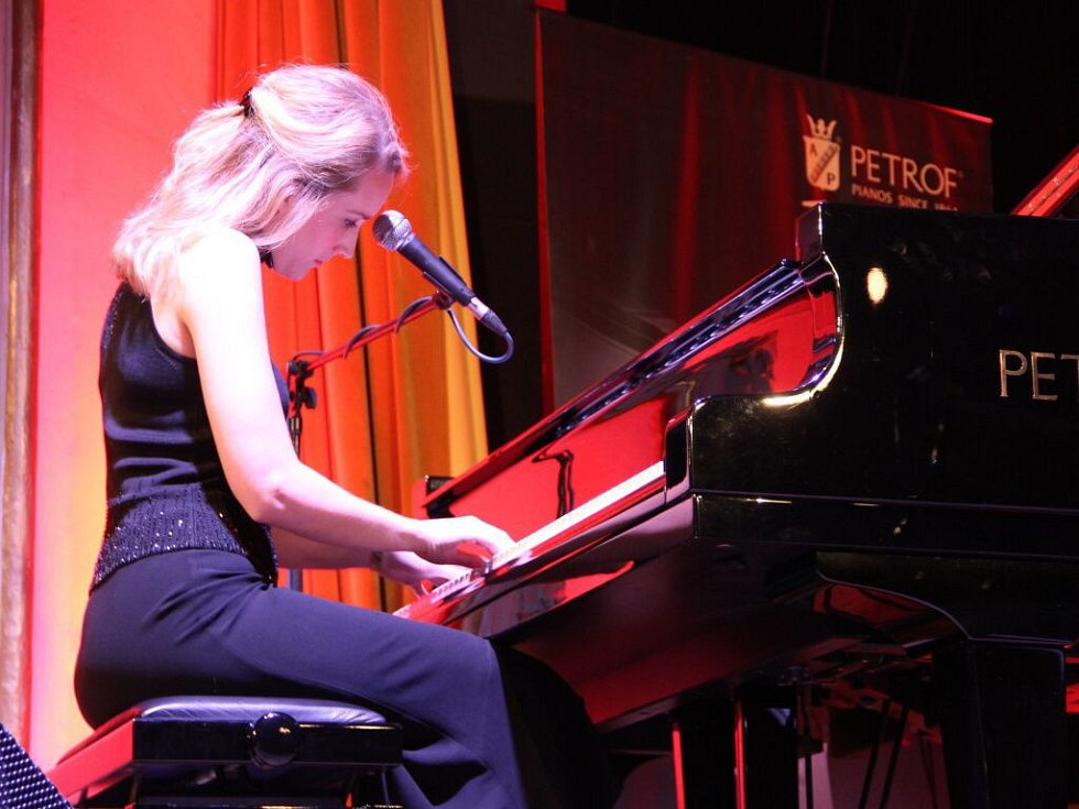 V pátečním programu Československého jazzového festivalu v Přerově vystoupily Sága rodu SHQ, Sarah McKenzie a Ron Carter Foursight.