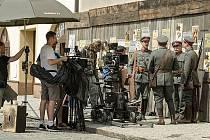Náměstí v Tovačově obsadili v pondělí 18. července filmaři. Natáčeli zde jeden z dílů nového seriálu Četníci z Luhačovic.