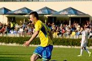 Fotbalisté Kozlovic proti MFK Havířov (2:0). Štěpán Přikryl slaví