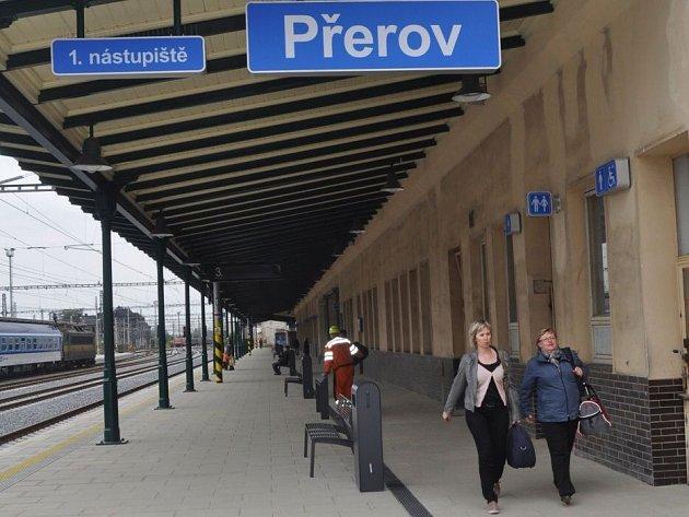 Opravené první nástupiště na přerovském nádraží