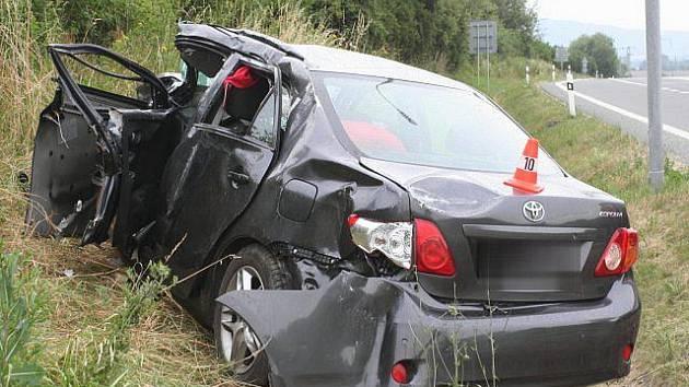 Vážná dopravní nehoda ochromila ve čtvrtek tah mezi Přerovem a Hranicemi.