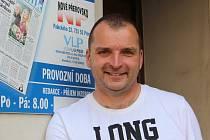 Zpěvák Pavel Novák pořádá ve čtvrtek 2. června koncert na podporu hemato-onkologického oddělení Fakultní nemocnice v Olomouci. Akce se uskuteční na Letní divadelní scéně mezi hradbami.