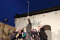 Festival Dostavníčko s divadlem nabídl ve čtvrtek 28. července hořkou komedii Grönholmova metoda, kterou sehráli ochotníci z plzeňského Divadla JakoHost.