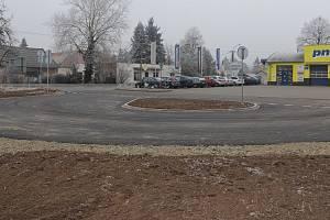 Soud zakázal stavět autobusovou točnu v Lýskách. Jenže ona už je postavená.