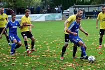 Fotbalisté Všechovic (v modrém) porazili Kozlovice.