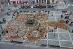Strom z listí, šišek, dýní, jablek, kukuřic i kaštanů vznikl v listopadu 2016 na přerovském náměstí T.G. Masaryka.