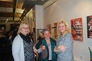 Dvě výstavy začaly ve čtvrtek vernisáží v Galerii města Přerova. Návštěvníci mohli obdivovat retro kousky ze sbírky čtrnáctiletého Patrika Horkého a druhou část expozice tvoří olejomalby výtvarníka Jiřího Heinze.