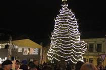 Slavnostní rozsvěcení vánočního stromu na náměstí TGM v Přerově