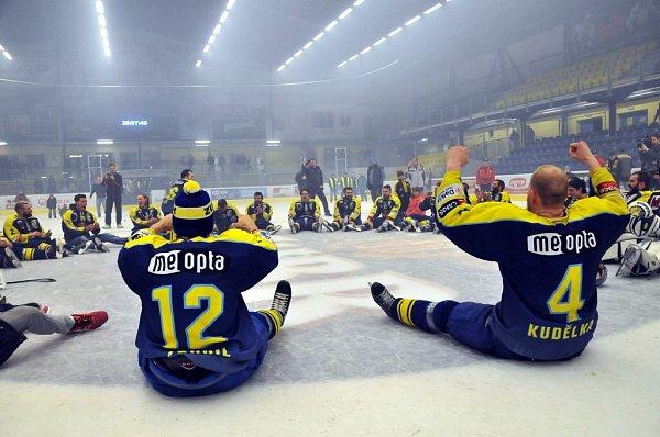 Přerovští hokejisté slaví vdomovské Meo Aréně postup do první ligy