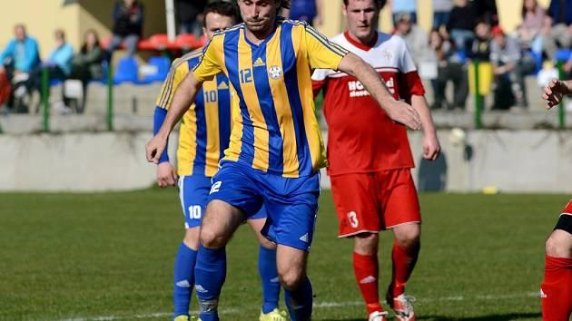 Libor Žůrek (u míče)