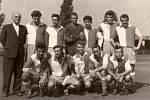 Lipnické fotbalové mužstvo v roce 1959. Dnes se hráči se uplatňují i ve vyšších soutěžích v okolních klubech. Zleva stojí vedoucí Burstein, Dusílek, Nákonečný, Mrtvý, Sohlich, Kubját, Janál, zleva v podřepu Kratochvíl, Mikeška, Řihošek, Brabec, Pospíšil.