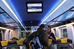 Na prvním nástupišti v sobotu odpoledne vůbec poprvé zastavil RegioJet, který začne od poloviny prosince přepravovat také cestující z Přerova.