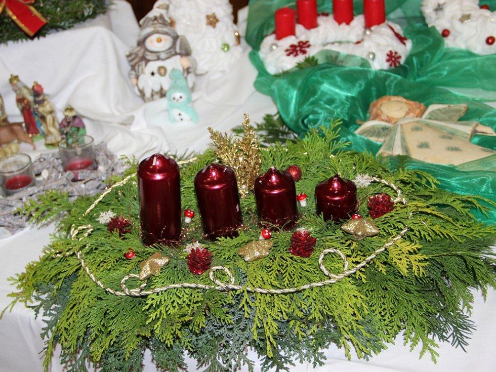 Atmosféru nejkrásnějších svátků v roce navodila výstava, kterou mohli zhlédnout v sobotu a v neděli návštěvníci sokolovny v Paršovicích.