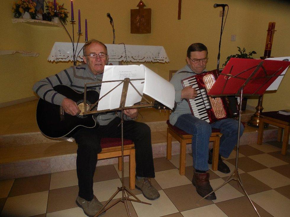 Česko zpívá koledy ve Skaličce 2017