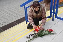 Přerované se postupně scházejí na dvou symbolických místech – u památníku obětem komunismu na náměstí T. G. Masaryka a u kina Hvězda, kde se konaly během sametové revoluce mítinky, aby vyjádřili svou soustrast nad úmrtím bývalého prezidenta Václava Havla