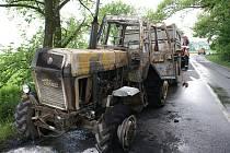 Vyhořelý traktor u Kojetína