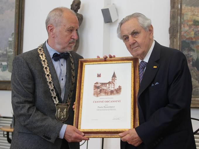 Město Přerov v květnu 2018 udělilo čestné občanství Paulu Rausnitzovi, majiteli společnosti Meopta