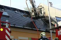 Požár budovy v Palackého ulici v Lipníku nad Bečvou
