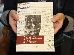 Kniha o Josefu Kainarovi je pokřtěná, už je i v prodejifoto: