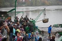 Výlov Hradeckého rybníka v Tovačově - 19. 10. 2019