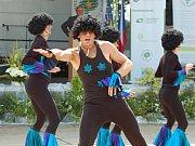 """O dobrou zábavu se během vyhlašování vítězů soutěže Vesnice roku v Radslavicích postaraly místní taneční a hudební soubory.  Největší ohlas u publika sklidila """"taneční jelita"""" Los Afros."""