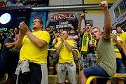 Fanoušci Vsetína na přípravném utkání jejich týmu v přerovské Meo Aréně