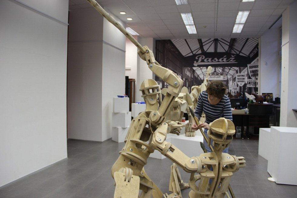 Výstava Od lovců mamutů k cihle, která mapuje historický vývoj Předmostí