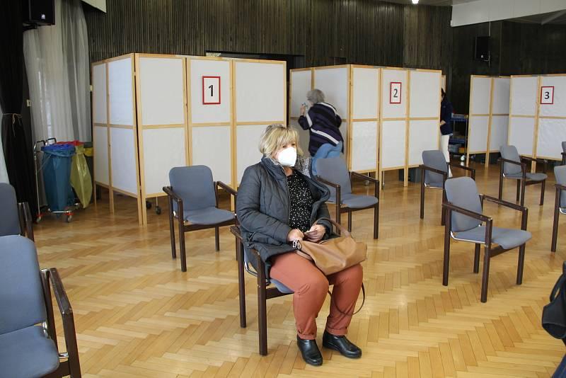 Očkovací centrum v přerovském klubu Teplo