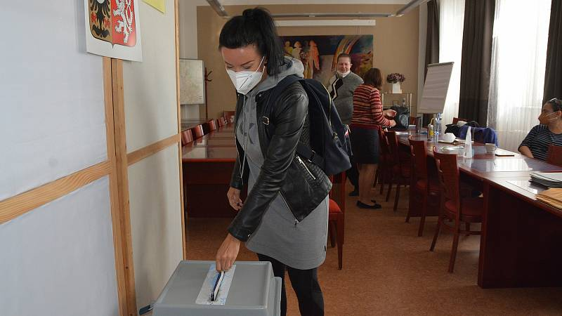 Začátek voleb v Přerově, 8. října 2021