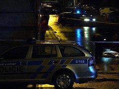 Bar Lumír v Komenského ulici v Přerově byl v pátek v noci v obležení policistů, kteří šetřili okolnosti tragické události.