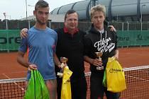 Martin Šimeček (vlevo) si to v dorosteneckém finále rozdal s oddílovým kolegou Martinem Trefným (vpravo). Radoval se druhý jmenovaný
