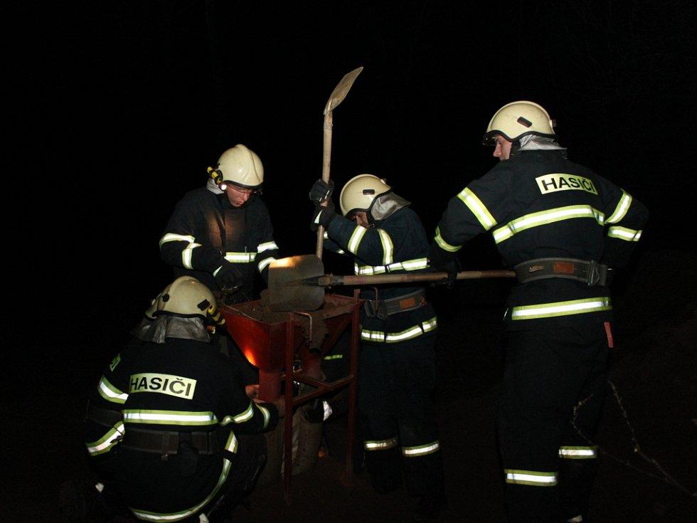 Sedmadvacet jednotek dobrovolných hasičů se na Radslavské přilbě utkalo v nejrůznějších disciplínách