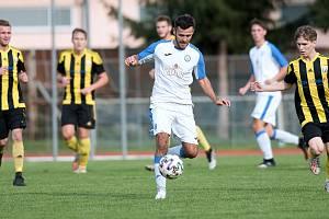 Fotbalisté Přerova (v bílém) v utkání s Novými Sady. Ilustrační foto