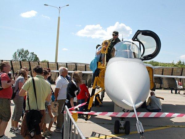 Středomoravská letecká pouť na přerovském letišti