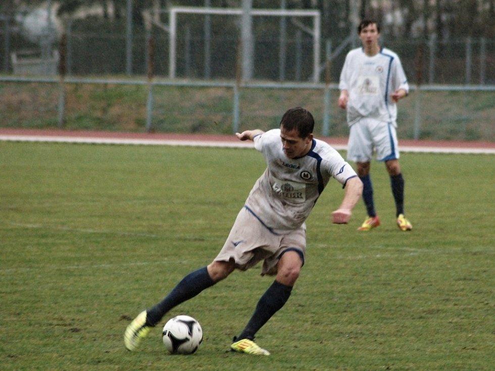1.FC Viktorie Přerov (v bílém). Ilustrační foto