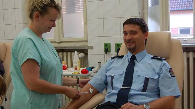 89 odběrů krve už má za sebou šéf přerovské policie Martin Lebduška
