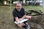 Badatel Jan Mikulík za posledních dvacet let nechyběl u žádného významného archeologického nálezu v regionu.