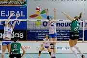Volejbalistky Přerova (v bílém) v utkání s KP Brno