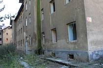 Neutěšený stav Škodovy ulice u přerovského nádraží
